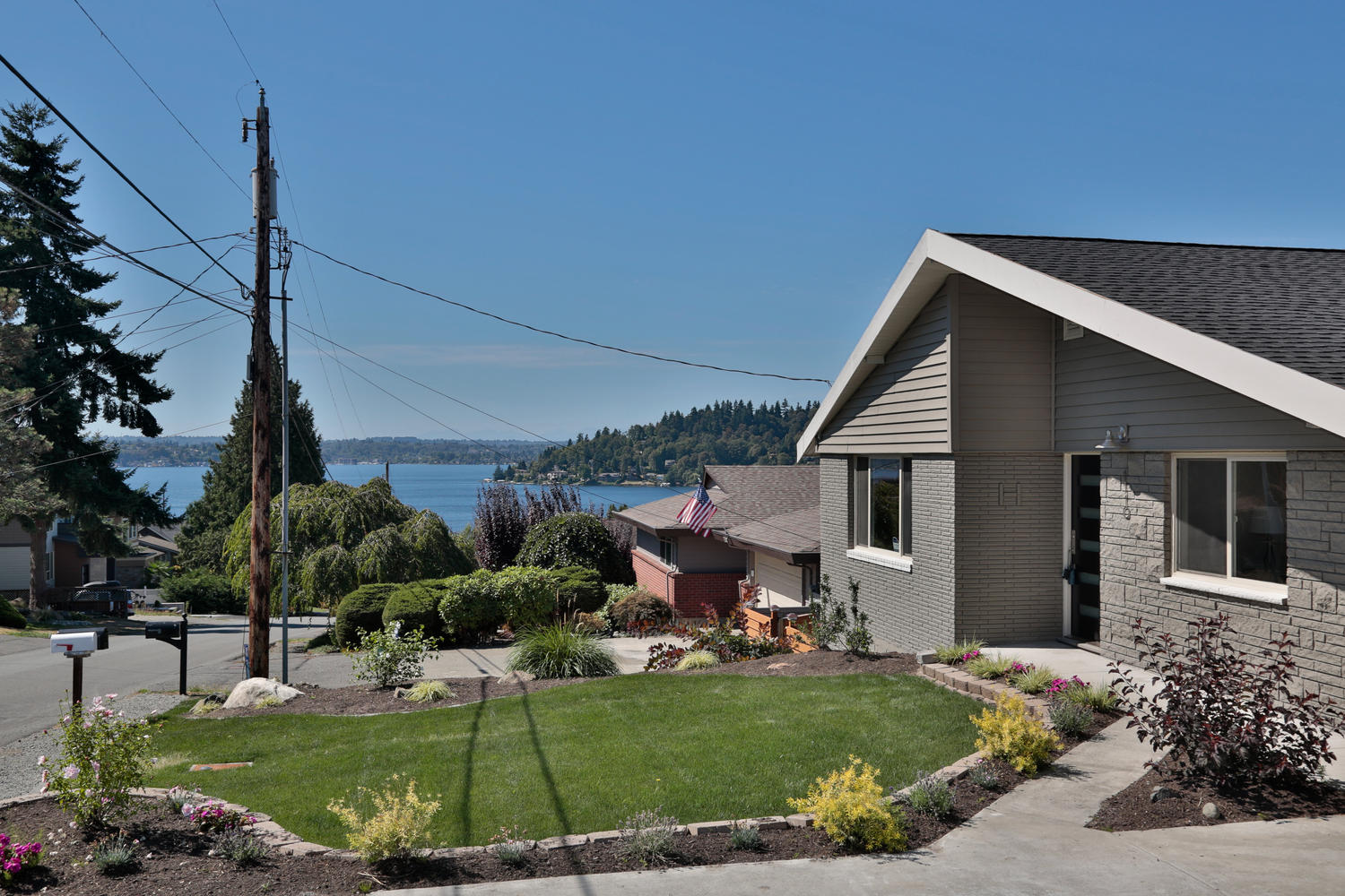 1110 N 36th St Renton WA 98056-large-019-14-Short Walk From Beautiful Lake-1500x1000-72dpi